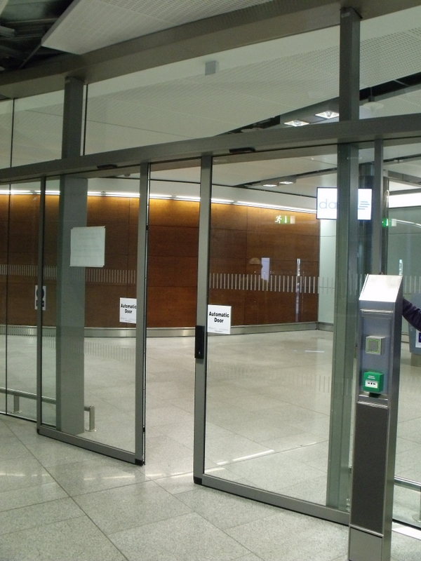 Biparting Door, Dublin Airport